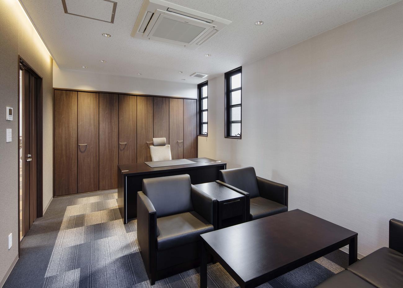 012.2階 社 長 室.jpg
